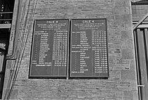 Roger-Viollet | 1384712 | Construction du premier sous-marin atomique français  Le Redoutable  sous-marin nucléaire lanceur d'engins (SNLE) à Cherbourg (Manche), 20 mars 1967. Photographie de Claude Poensin-Burat. Fonds France Soir. Bibliothèque historique de la Ville de Paris. | © Poensin-Burat, Claude / Fonds France-Soir / BHVP / Roger-Viollet